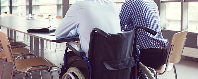 bénévole handicapé